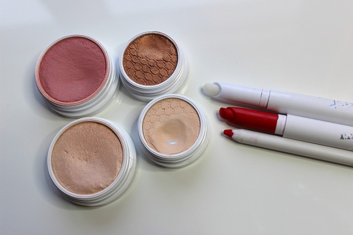 Kuulumisia ja eka ColourPop-meikki