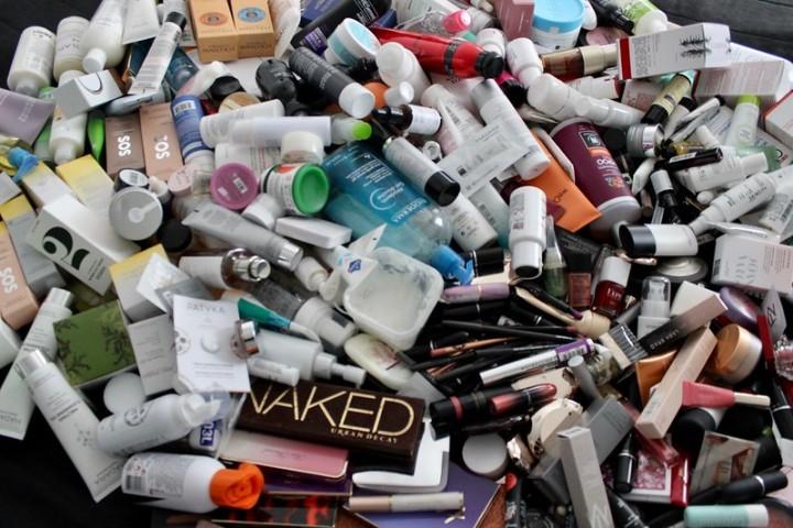 Kaikki kosmetiikkatuotteeni